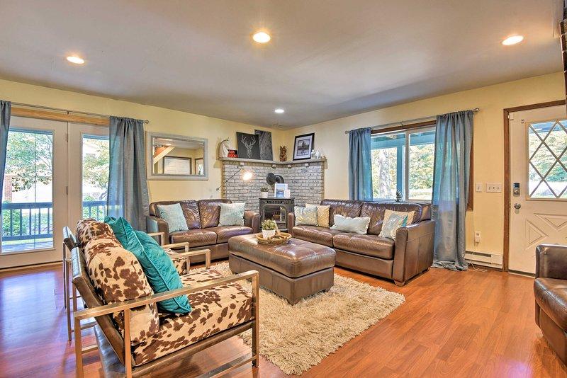 Tobyhanna House w/ Private Wraparound Decks!, vacation rental in Skytop
