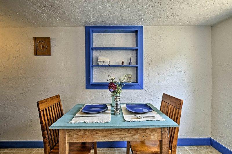 'Casita Lilac' Home -1 Mi. to Old Town Albuquerque, vacation rental in Los Ranchos de Albuquerque