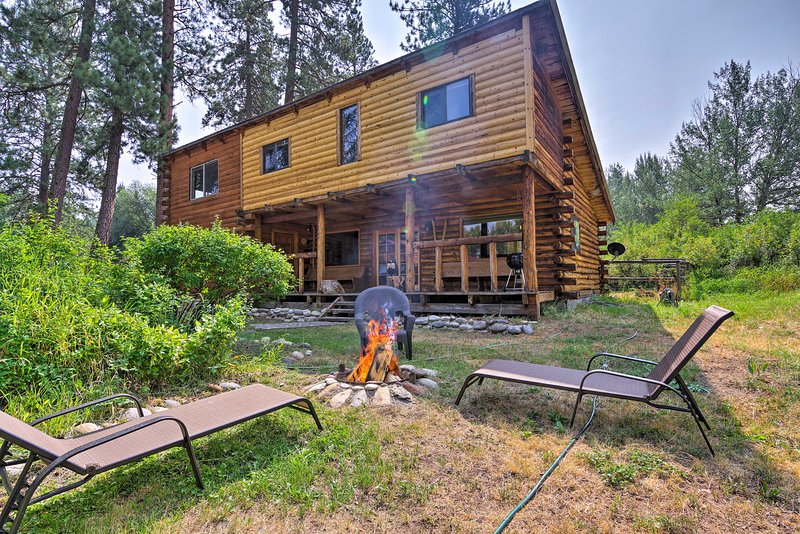 Rustic Idaho Cabin < 11 Mi to Payette Ntl Forest!, holiday rental in New Meadows