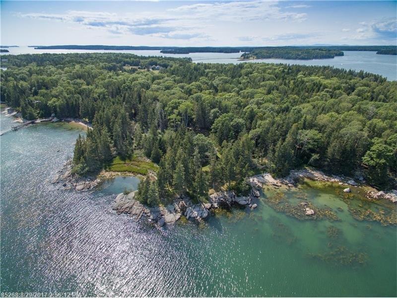 Little Cove sur Plumb Point