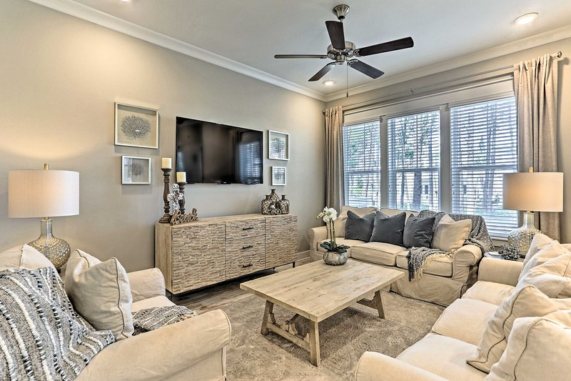This brand new townhome boasts 1,680 square feet for 6 lucky guests.