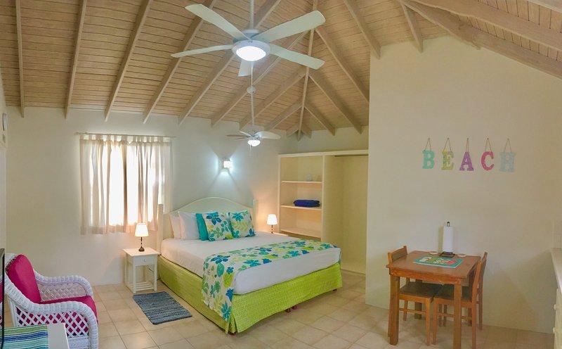 Villa Mia Studio 6 Near Miami Beach, location de vacances à Oistins