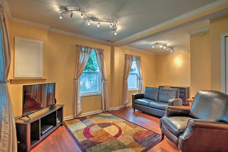 El interior renovado ofrece todas las comodidades del hogar.