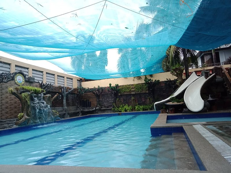 SRJO Fun Central Resort (Private Hotspring Pool), vacation rental in Laguna Province
