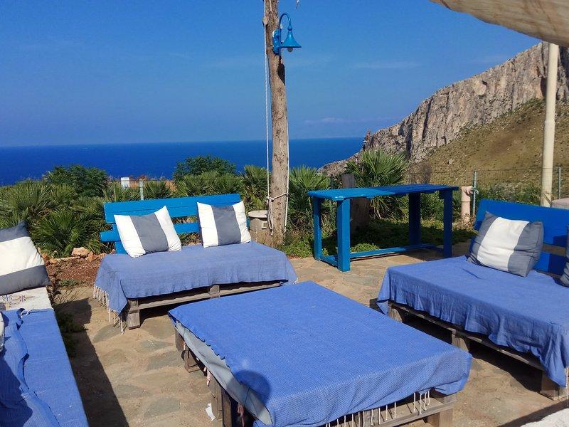 Villa Silvia con WiFi - Godi del  silenzio tra cielo, mare e natura..., location de vacances à Zarbo di Mare