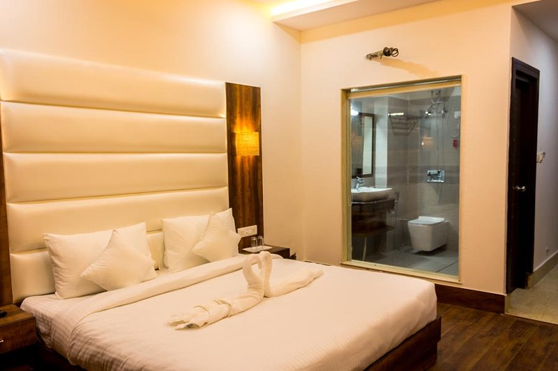 Ak Continental - Super Deluxe Room 2, vacation rental in Sidhpur
