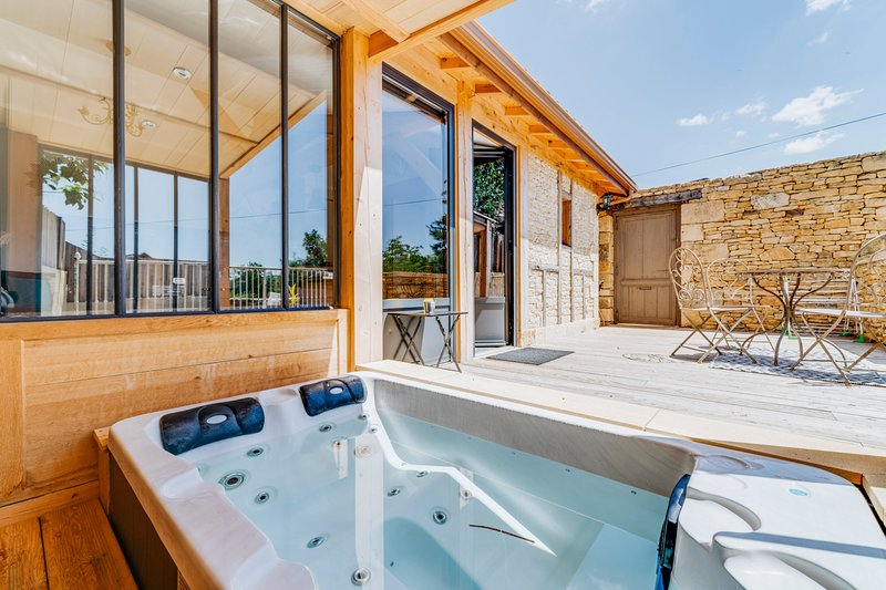 La Fournerie Villa Sleeps 2 with Pool - 5485084, holiday rental in Vezac