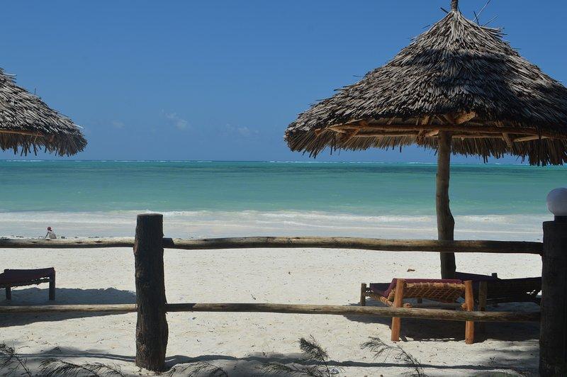 praia, o melhor quarto de sempre em zanzibar dream lodge, água quente, ar condicionado disponível apenas para ext 10 $