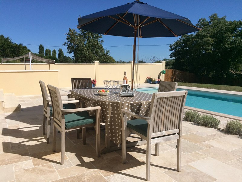 Au Marquis  Boutique Gite and B&B, holiday rental in Aignan