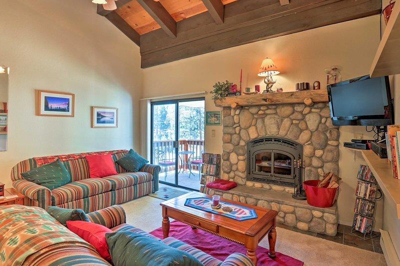 Este acogedor condominio es el lugar perfecto para reservar su escapada a Incline Village.