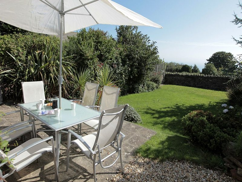 Amry House, holiday rental in Slapton