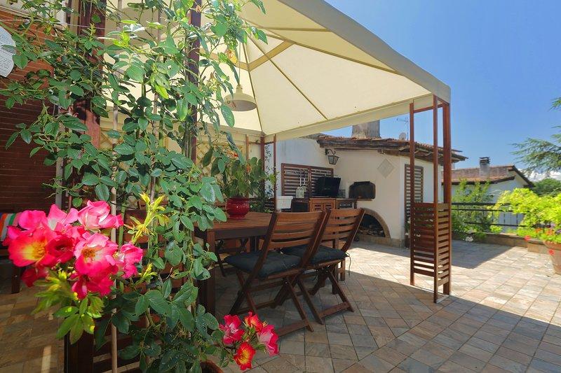 Elegante villino in zona residenziale, holiday rental in Campagnano di Roma