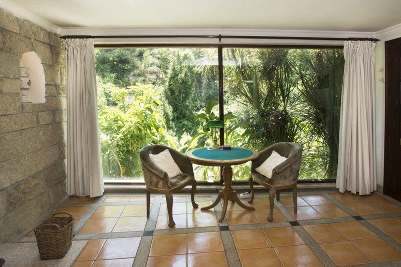Dream corner by waterfalls - Apt 1, alquiler de vacaciones en Pacos de Ferreira