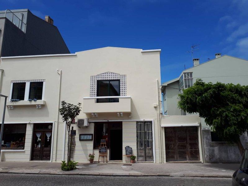 Shared apartment near beach  - Double room, location de vacances à Cortegaca