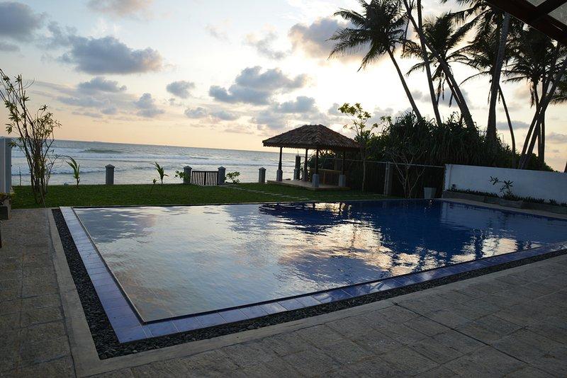 Ocean Deluxe - Ocean Crest, holiday rental in Ahangama