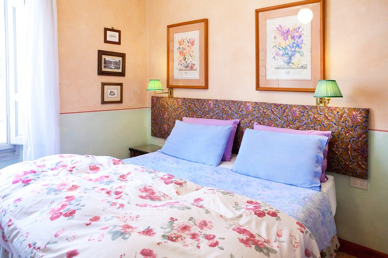 Alessandro - Charming Apartment in Florence, vacation rental in Florence