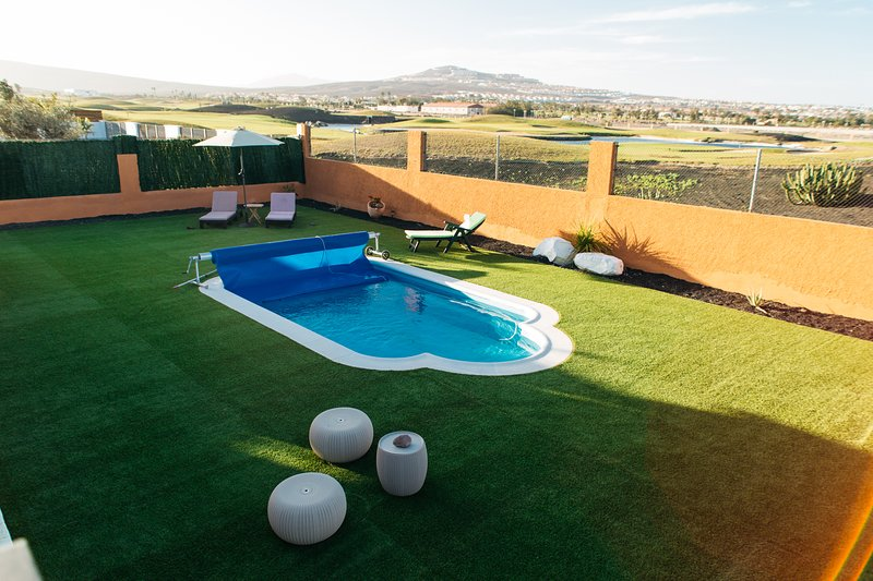 ECOVILLA WHITE SUITE climaticed pool, 100X100 solar energy, location de vacances à Pozo Negro