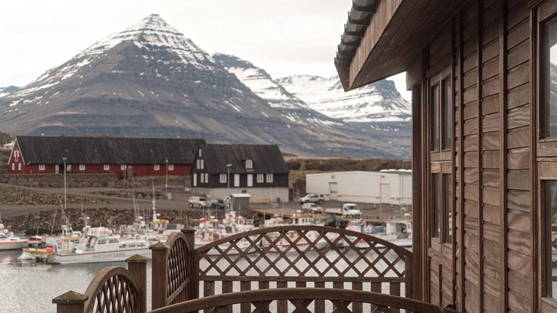 Cottage Framtid 2, vacation rental in Stodvarfjordur
