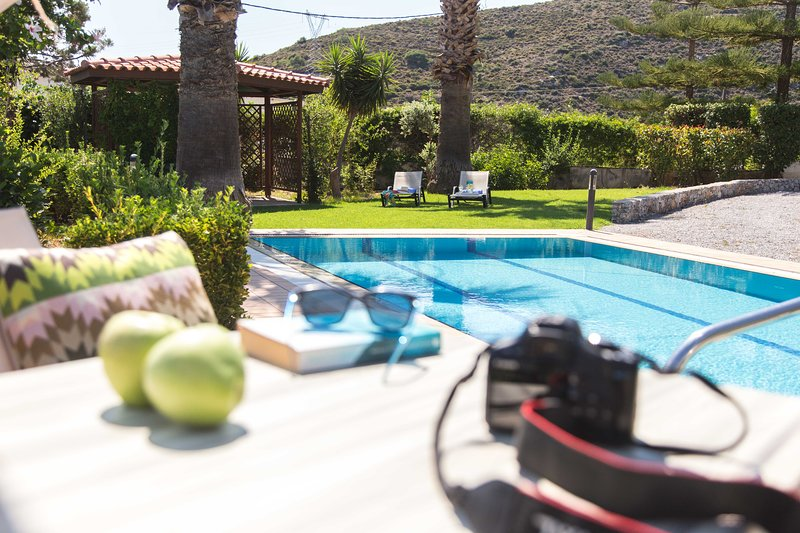 Your book, your sunglasses, your camera and a healthy snack by the pool!