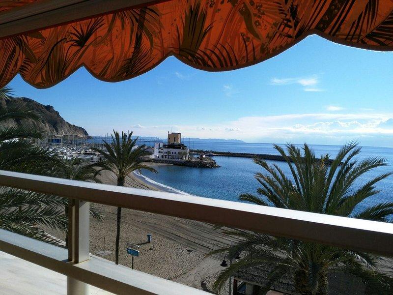 APARTAMENTO PRIMERA LINEA DE PLAYA, alquiler de vacaciones en Roquetas de Mar