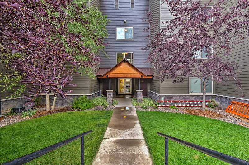 This vacation rental condo ensures your Crested Butte retreat will be amazing.