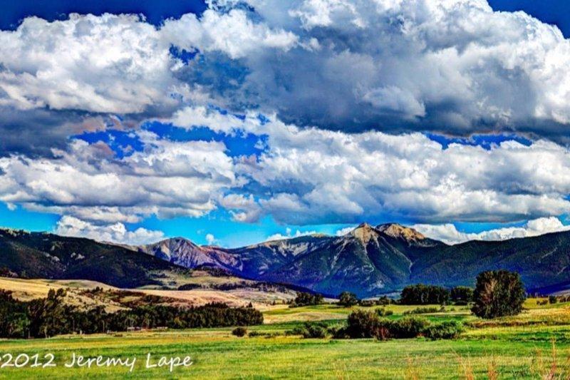 East Boulder Vacation Cabin, location de vacances à McLeod