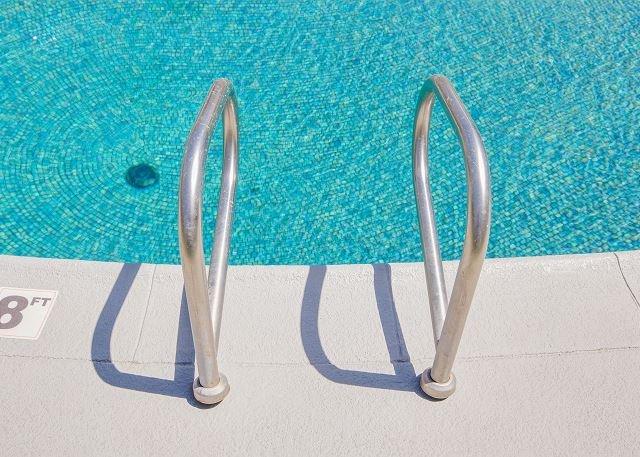 ¡Tiempo de piscina! Usted va a amarlo aquí!