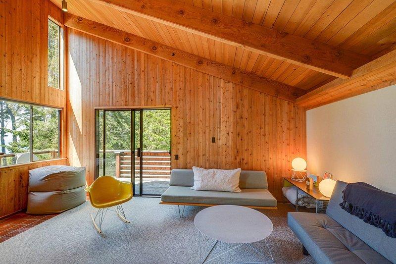 Sweet Sea Ranch - Sweet Sea Ranch Living Room