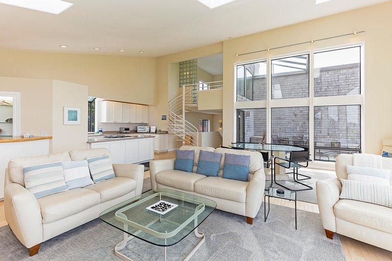 Adagio - Living room