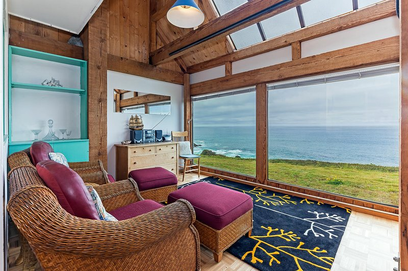 Hideaway - Area salotto con vista sull'oceano