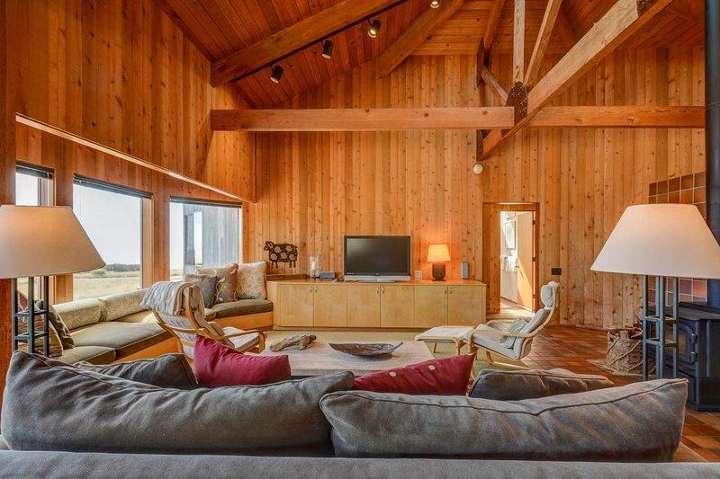 Kabella - Wohnzimmer mit TV