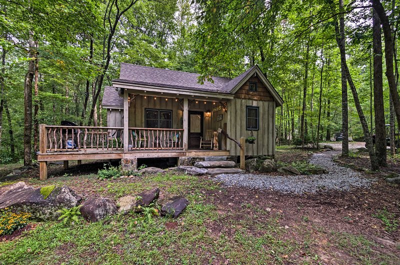 Restful Creekside Retreat by Table Rock State Park, alquiler vacacional en Sunset