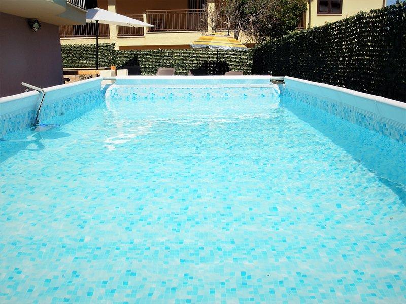 Sardegna Villa   10 posti letto piscina privata, Ferienwohnung in Valledoria