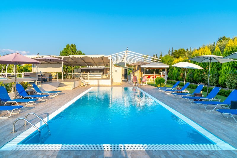 Villa Ekaterini Alopi, location de vacances à Raches