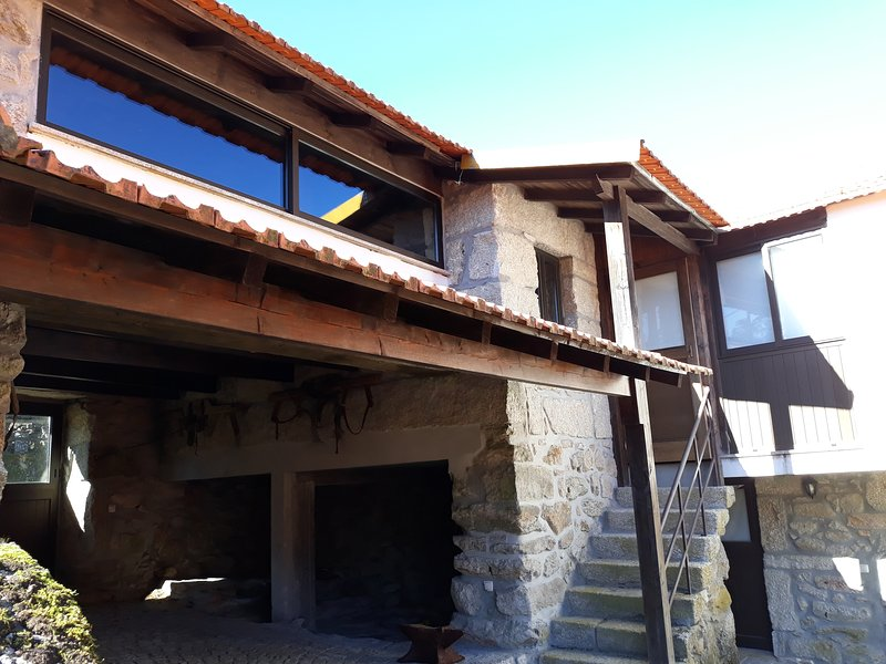 Casa das Beiras, free Wifi and Pool Access, vacation rental in Oliveira de Frades