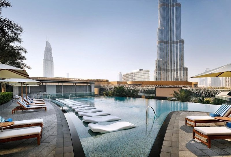 2 Bedroom  BLVD Hotel Residence - Burj View connected w/ Dubai Mall, aluguéis de temporada em Dubai