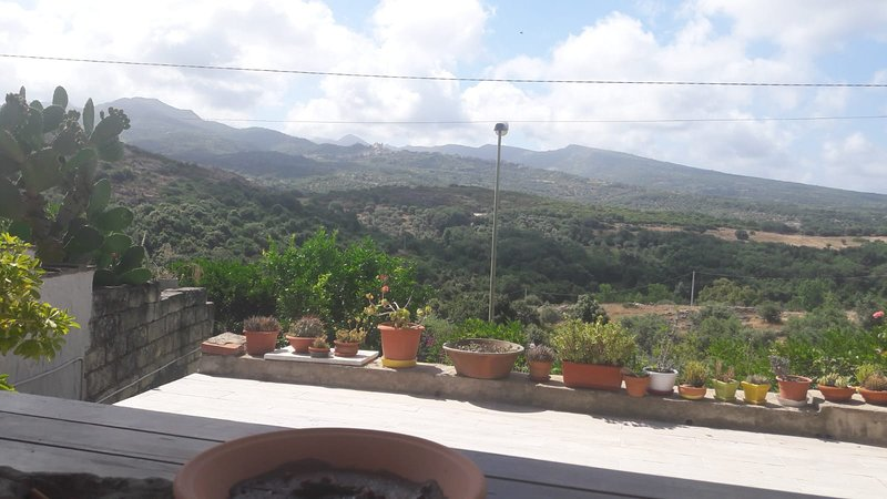Beautiful house with terrace, holiday rental in Sennariolo