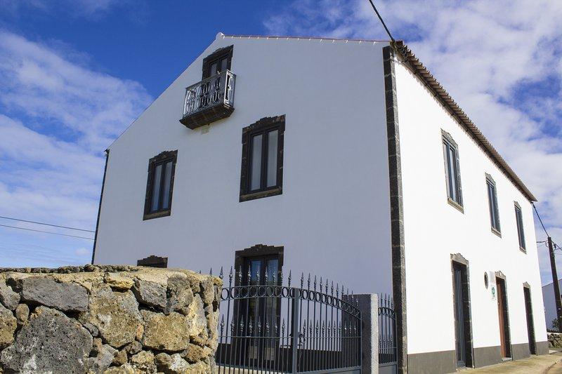 Casa Lagar de Pedra, holiday rental in Graciosa