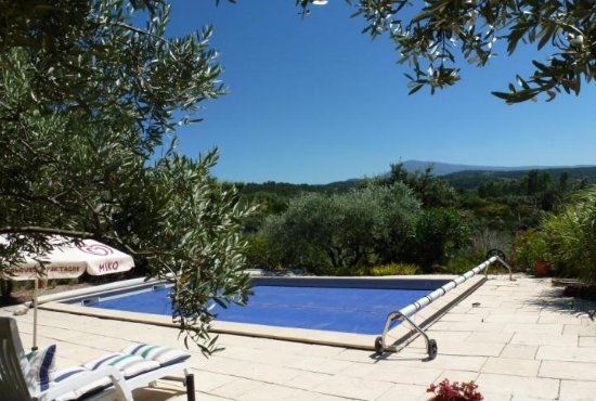 Nice property with swimming-pool, holiday rental in Saint-Hippolyte-le-Graveyron