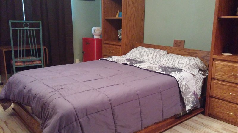 Rural Oasis -  Murphey's Room with shared Bathroom, holiday rental in Comanche