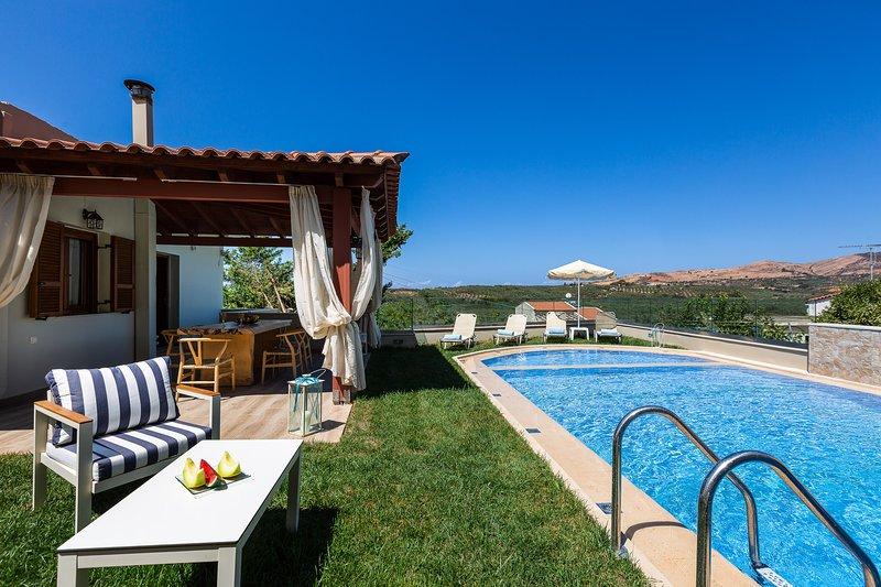 Kampos Villa III, pure elegance!, holiday rental in Melidoni