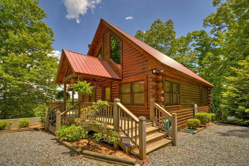 Bear Ridge Hideaway- Secluded Mtn View, vacation rental in McCaysville