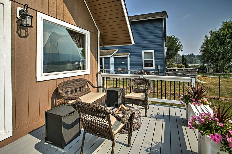 Relax on the back deck and gaze out at the shore!