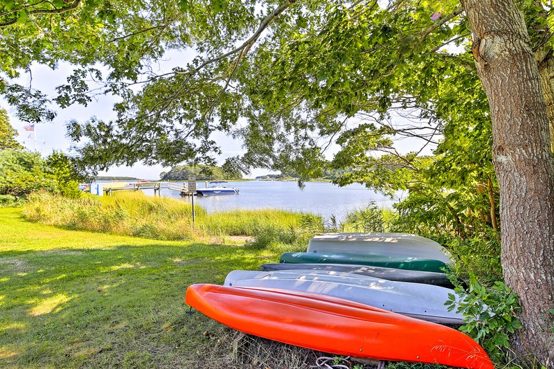 This waterfront property provides 4 kayaks that you can take on the river.