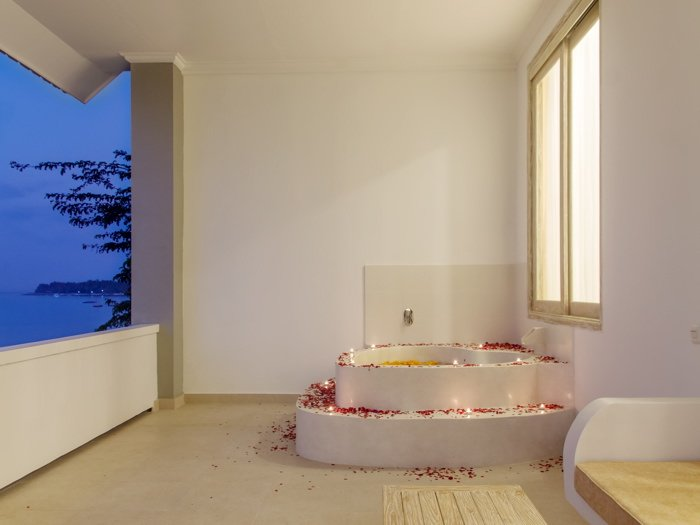 Lux Double Room in 11-bedroom compound