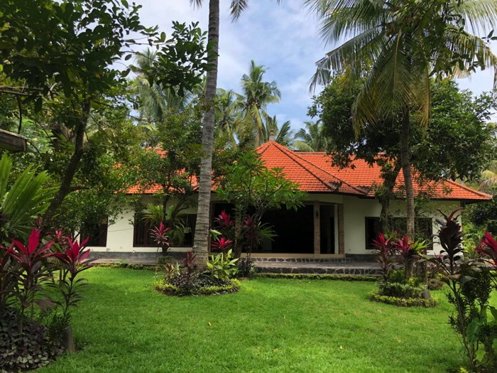 Garden Villa with tropical garden, 80 meters from the beach