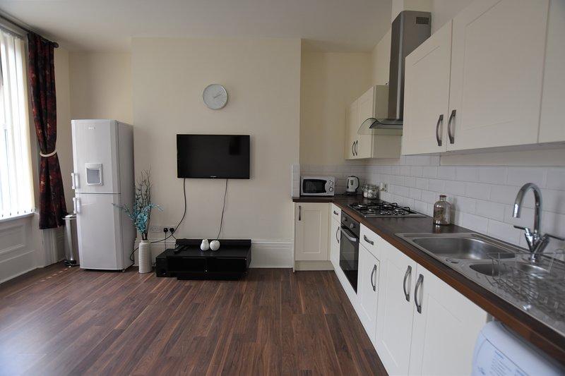 Modern 2 Bedroom City Centre Apartment. Free Parking, vacation rental in Sunderland