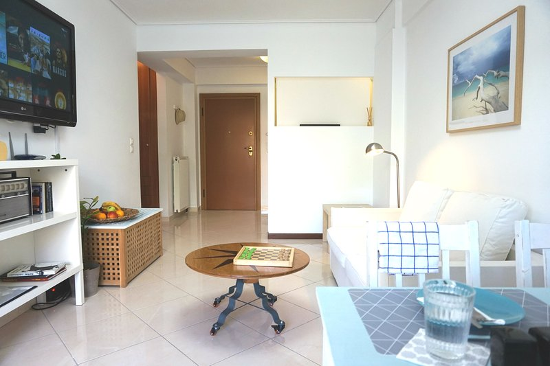 Cosy Apt in Athens Port - Great Location, location de vacances à Pirée
