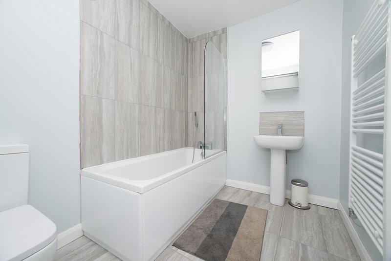 Modern 4 bedroom Apartment near City Centre & Royal Hospital, location de vacances à Washington