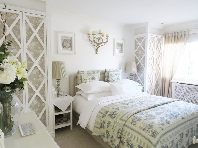 Elegant New Forest Lymington Town Getaway 2-Bath, vacation rental in Lymington
